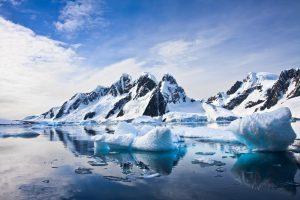 Vue panoramique lors d'une croisiere antarctique