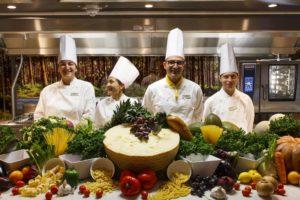 les chefs cuisiniers du bateau Costa Smeralda