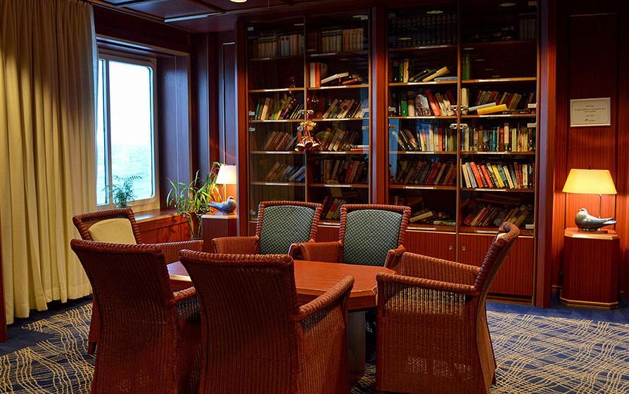 bibliothèque du navire Jules Verne